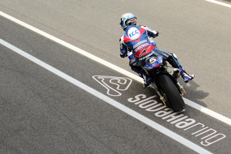 F.C.C. TSR Honda vyhrála kvalifikaci na 8h Slovakia Ring, nejlepší český tým Mercury Racing odstartuje z 8. místa