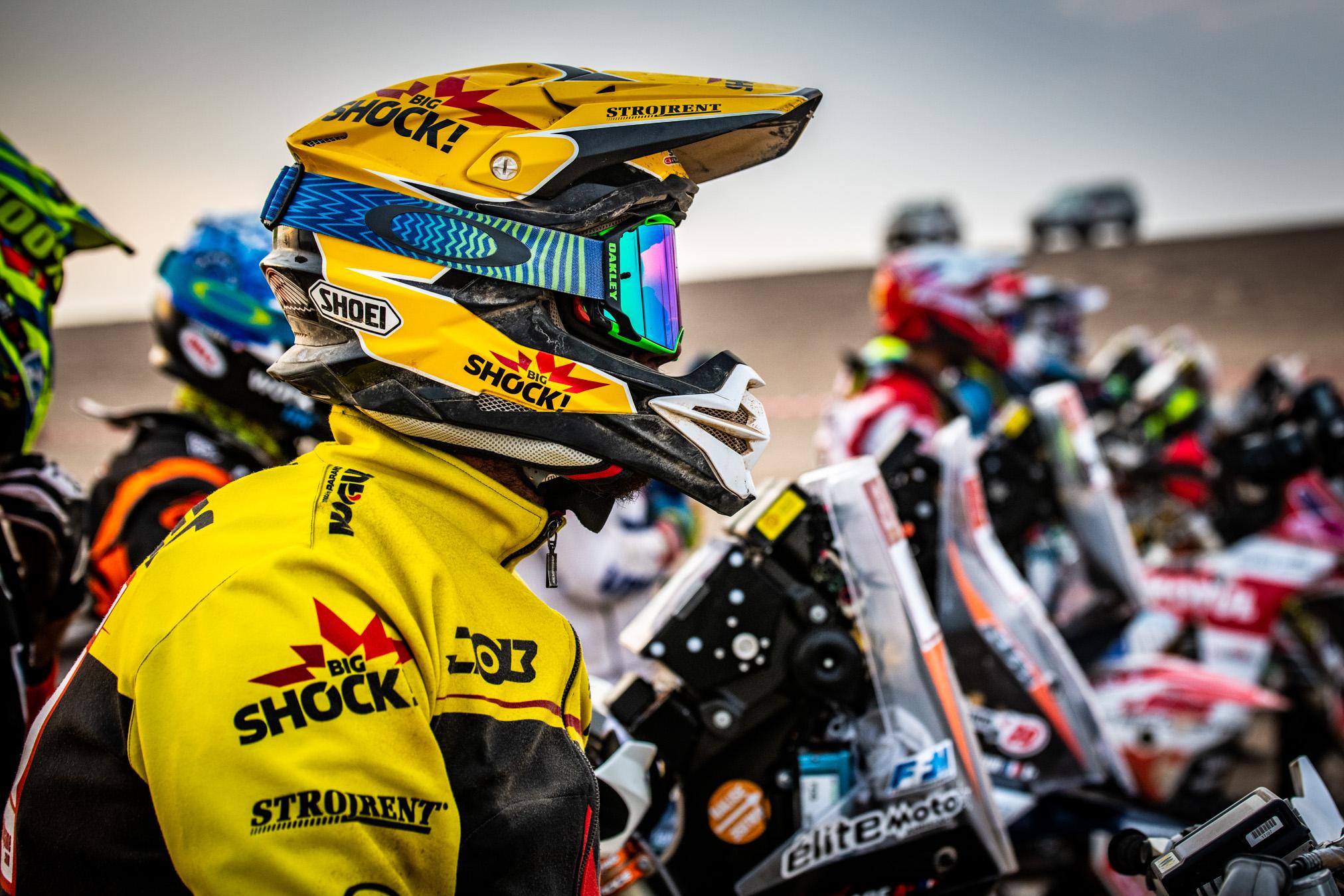 Hrozivý pád Brabčáka nezastavil, Martin Macík valí dál v semi Dakaru