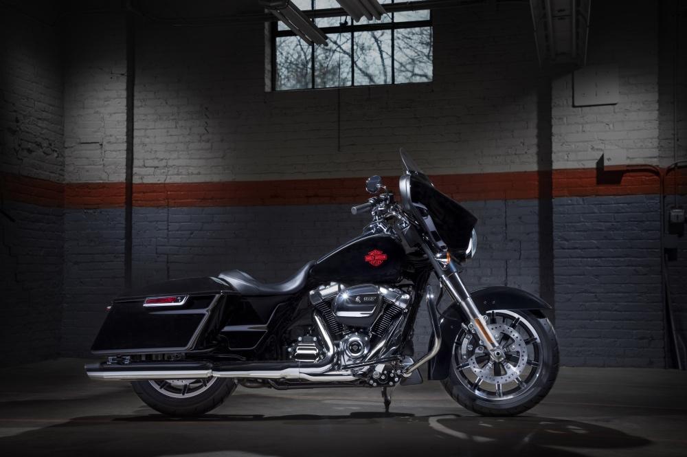 Harley-Davidson Electra Glide Standard přináší ryzí požitek z cestování
