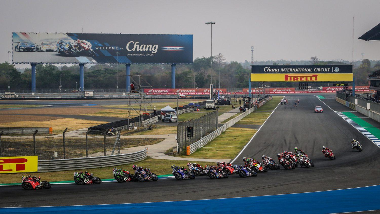 Nedělní závody WSBK Thajska 2019