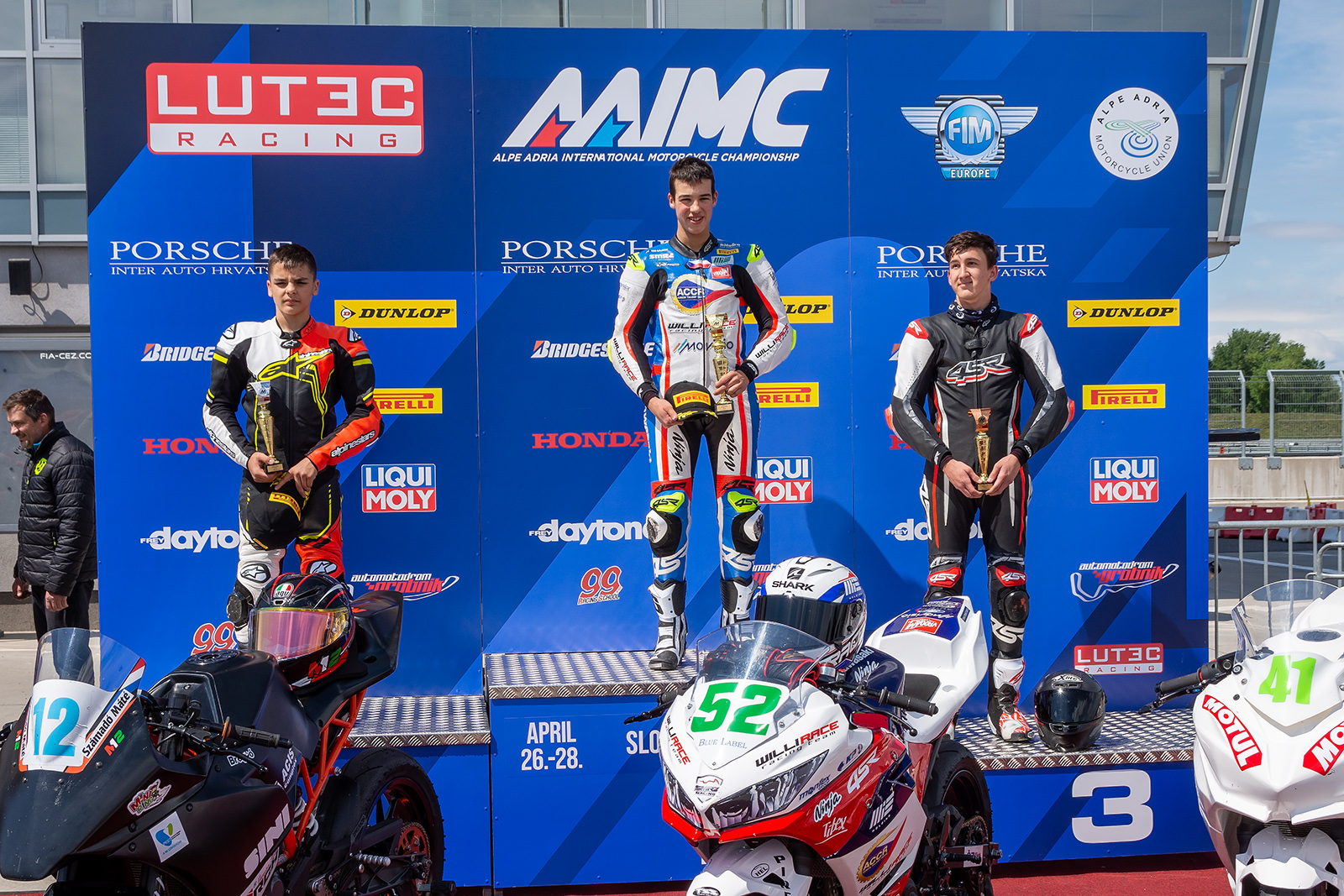 Radost i smůla pro ACCR Czech Talent Team – Willi Race při nedělním závodě na Slovakiaringu