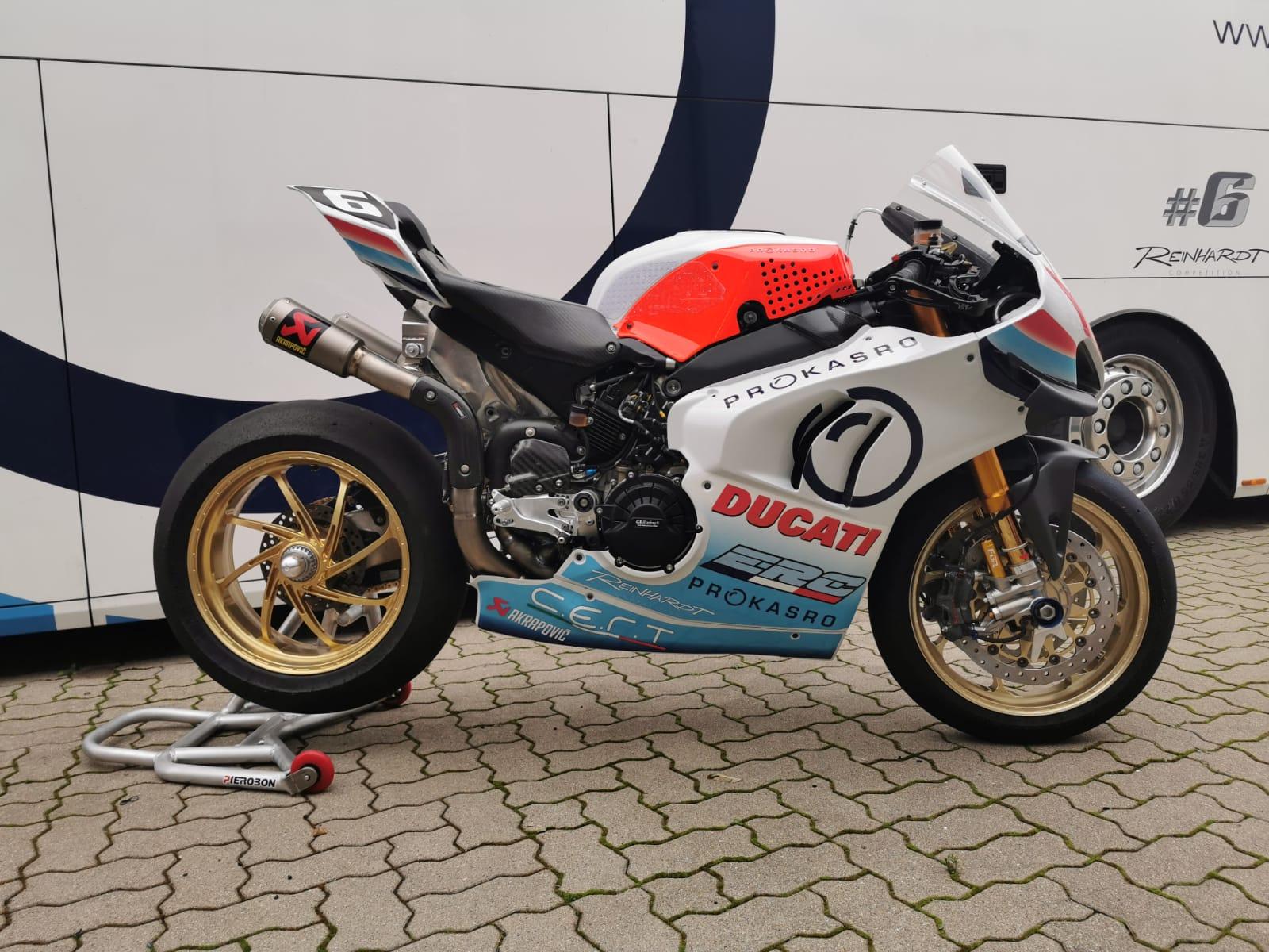 Ondřej Ježek na Ducati ve vytrvalostním MS motocyklů