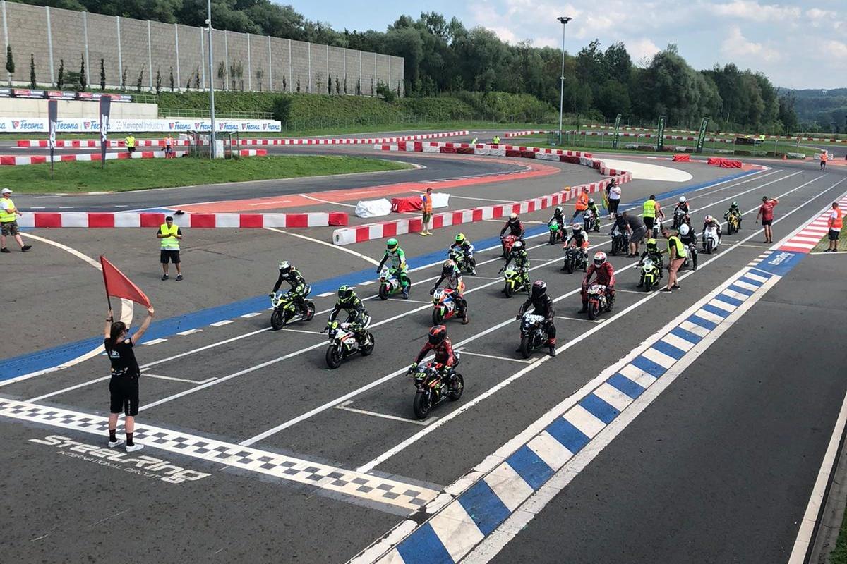 Letní počasí provázelo závody Miniracingu v Třinci